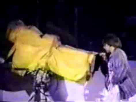 Kurt simula masturbação para câmera da Globo